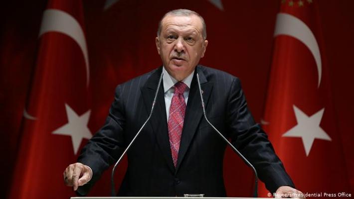 Cumhurbaşkanı Erdoğan salgınla mücadele için kongrelerini erteleyecek