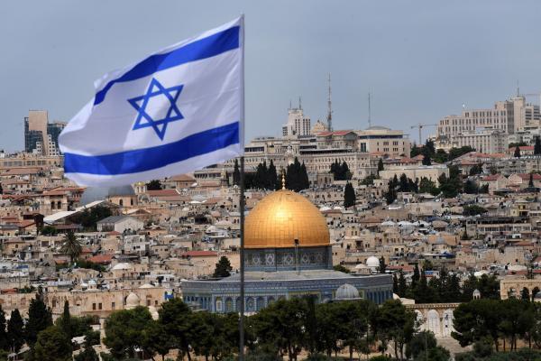 İsrail'de, yeni mutasyona uğramış virüse karşı havalimanlarını kapatıyor
