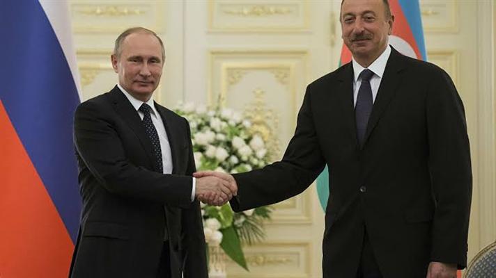 Aliyev Putin'in doğum gününü kutladı