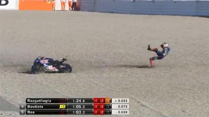 Milli motorsikletçi Toprak Rozgatlıoğlu kaza geçirdi